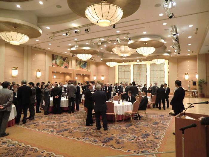 懇親会には、森井秀明小樽市長にも御参加いただき、親しく懇談の機会を得ることができました。